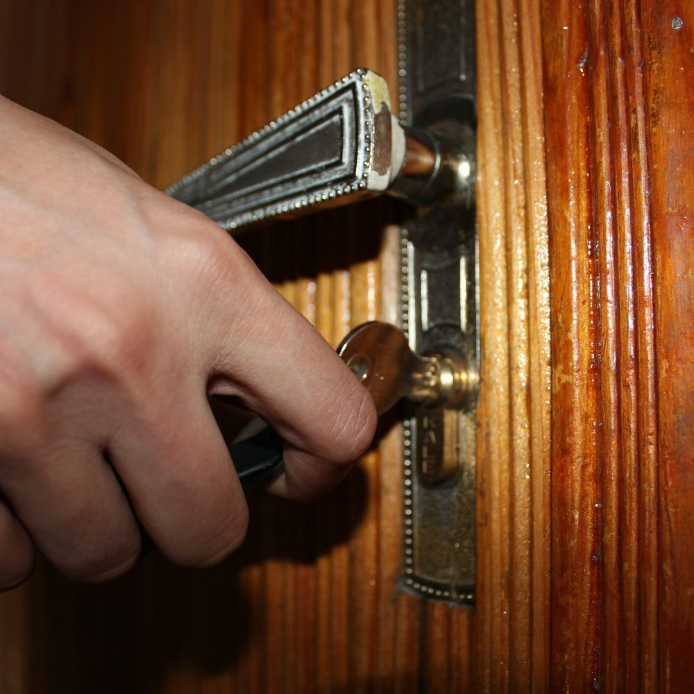 locksmith-Bushey